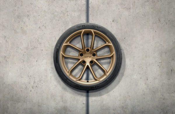20-Zoll Porsche 718 Cayman GT4 Radsatz in Aurum (Seidenglanz)