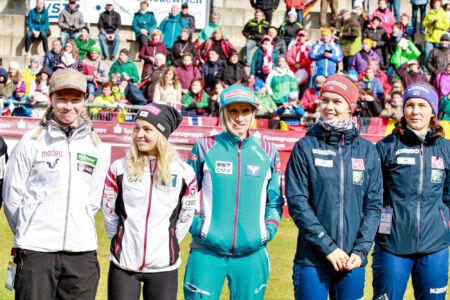 Julia Kykkänen, Chiara Hölzl, Daniela Iraschko-Stolz, Anna Odine Strøm, Silje Opseth - WSGP Klingenthal 2018