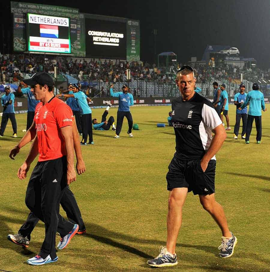 Ashley Giles tries to co-op with England's defeat