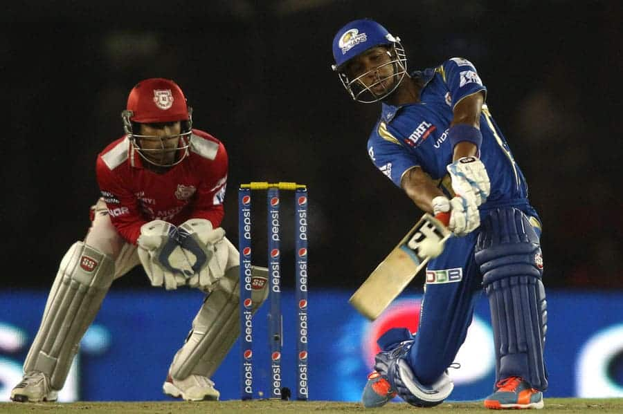 Lendle Simmons became the first player to score century in IPL 7