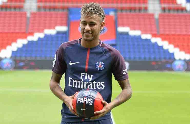 Neymar Jr presented at Paris Saint-Germain