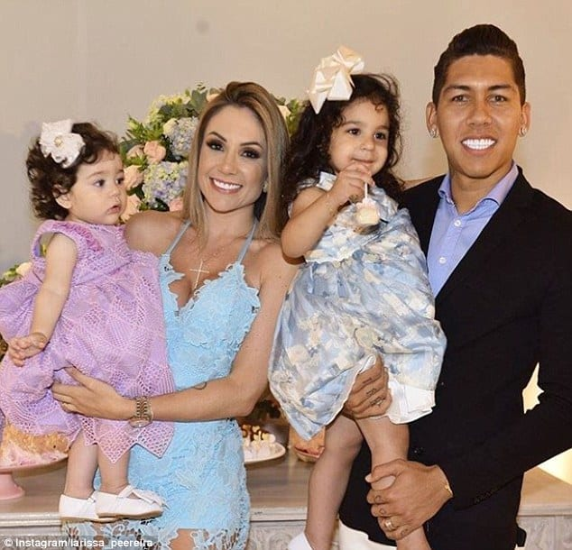 Roberto Firmino with his wife and kids