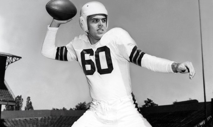 Quarterback – Otto Graham