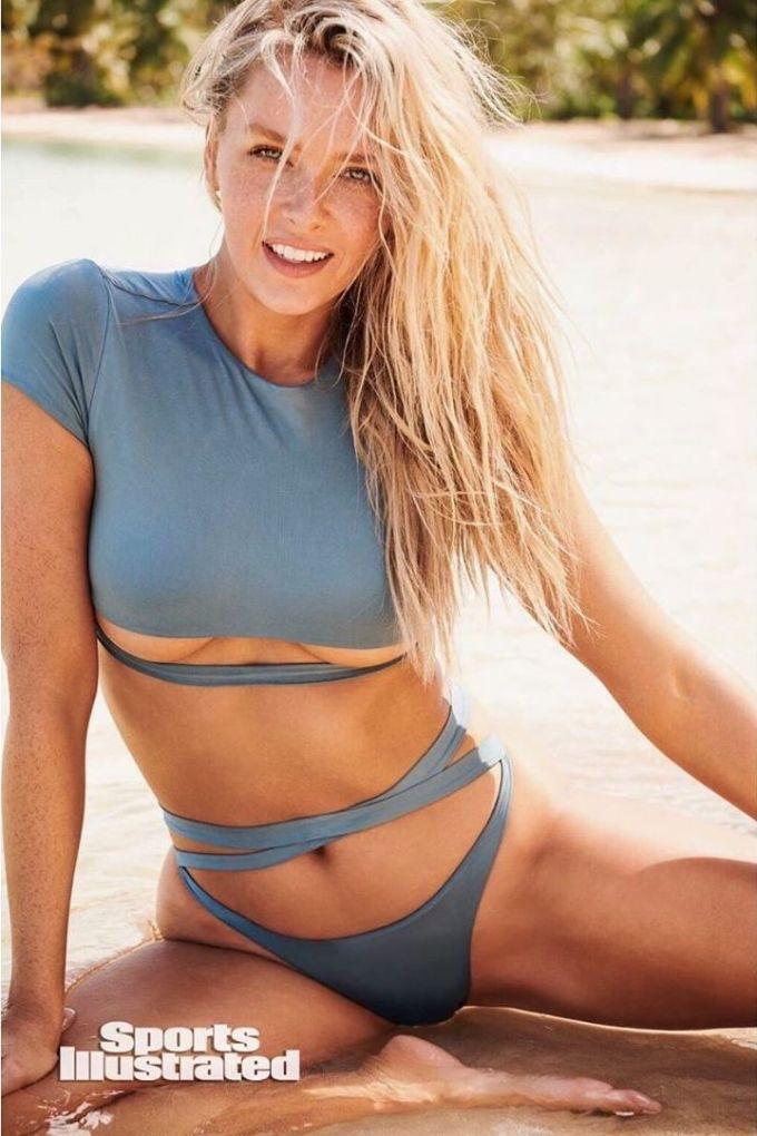 Rob Gronkowski's girlfriend, Camille Kostek – Sexy NFL WAG