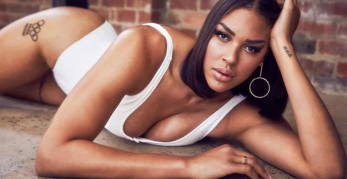 Hottest WNBA Players - Liz Cambage