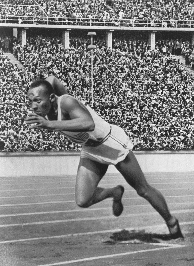 Sprinter Athlete Jesse Owens Facts and Accomplishments