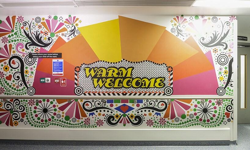 Designul si decorarea peretilor invioreaza atmosfera unui spital de copii din Londra