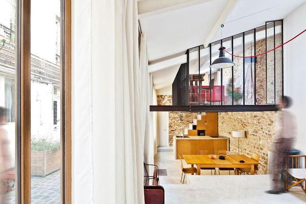Renovari: cum poti transforma un spatiu atipic de 50 mp intr-un apartament comod