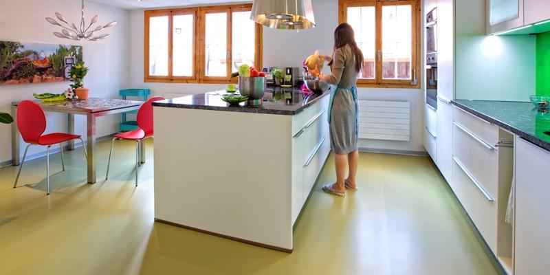 O nouă alternativă pentru interioarele noastre: pardoseli decorative din rășini epoxidice și poliuretanice