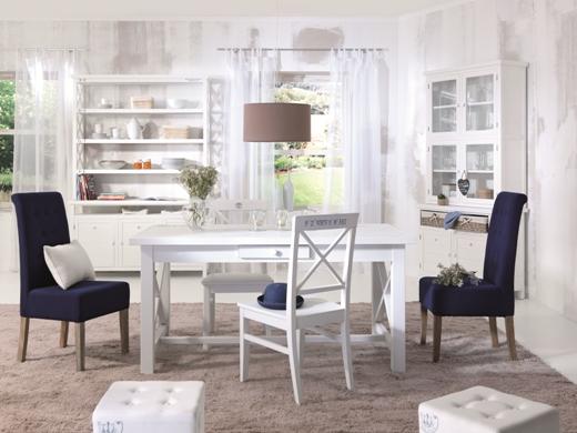 Schimbă atmosfera în sufragerie: 6 seturi frumoase de dining în 3 stiluri diferite