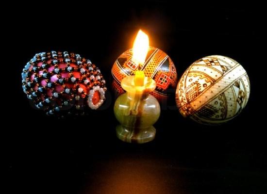 O poveste despre simboluri de Paşte: oul încondeiat şi iepuraşul