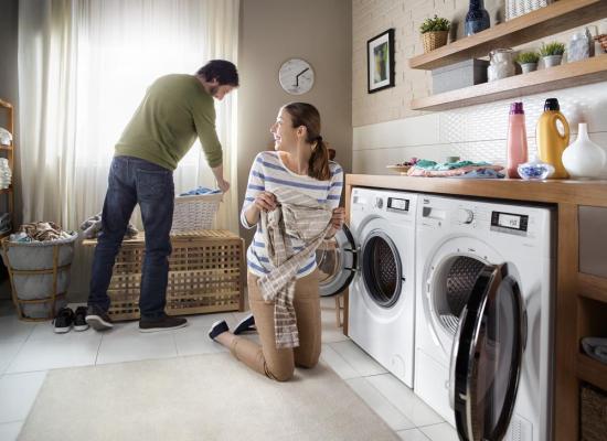 Uscătorul de rufe electric: mai mult spaţiu şi timp pentru tine, o viaţă mai lungă pentru hainele tale