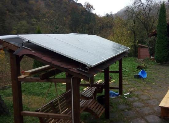 Casă restaurată în judeţul Hunedoara, cu sistem solar-termodinamic pentru apă caldă şi încălzire