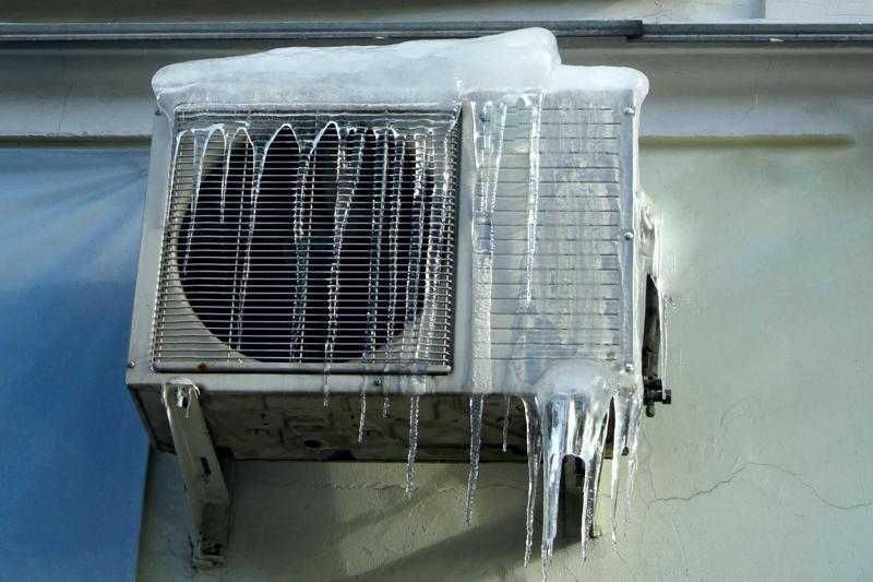 Cum se întreține aparatul de aer condiționat folosit pentru încălzire pe timp de iarnă