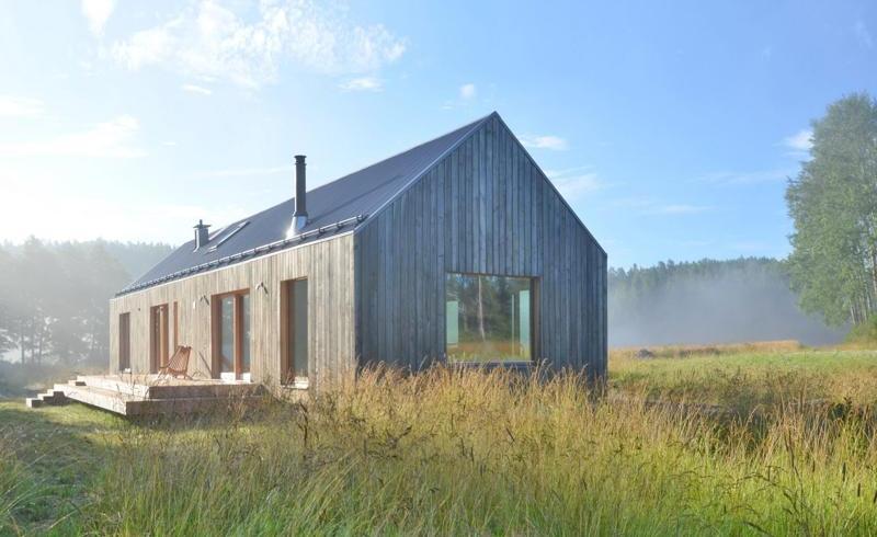 Proiecte de case înguste și lungi, cu organizare liniară