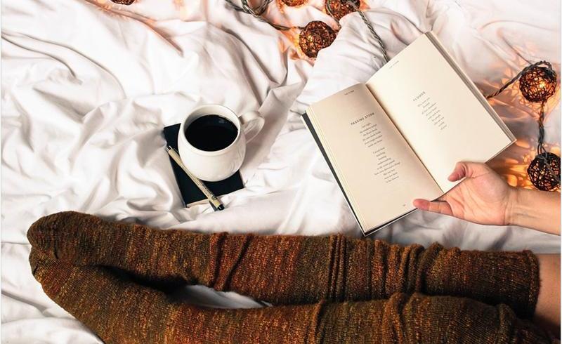 Trei articole care nu ar trebui să îți lipsească din dormitor pe timpul iernii