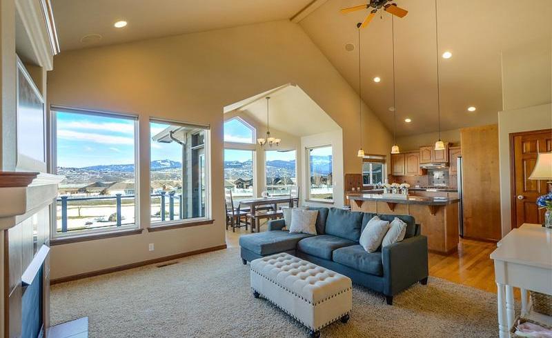 Ce să urmărești atunci când alegi o canapea extensibilă?