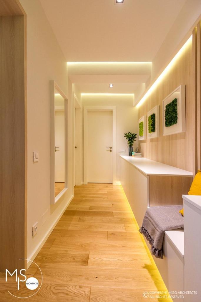 Miso Architects amenajare moderna apartament Bucuresti hol zona noapte 1