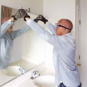 reparatii de ultim moment, inlocuire onglinda la baie