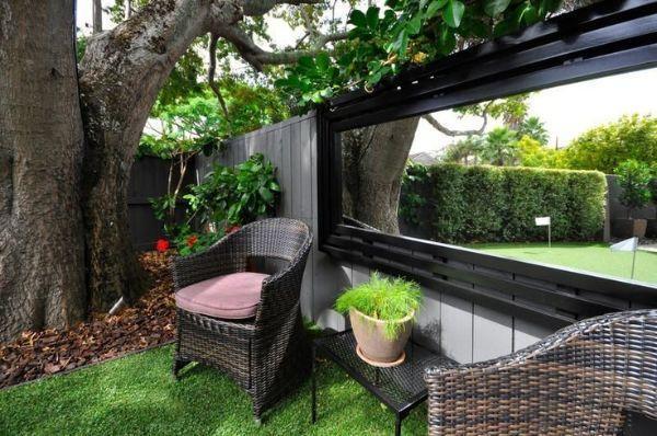 Folosirea oglinzilor în grădină și pe terasă
