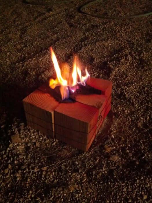 focul suedez, varianta cu resturi de lemn legate laolalta