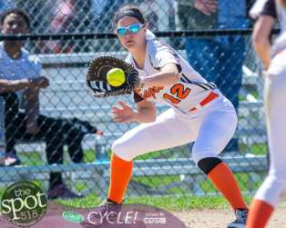 beth-shaker softball-2141