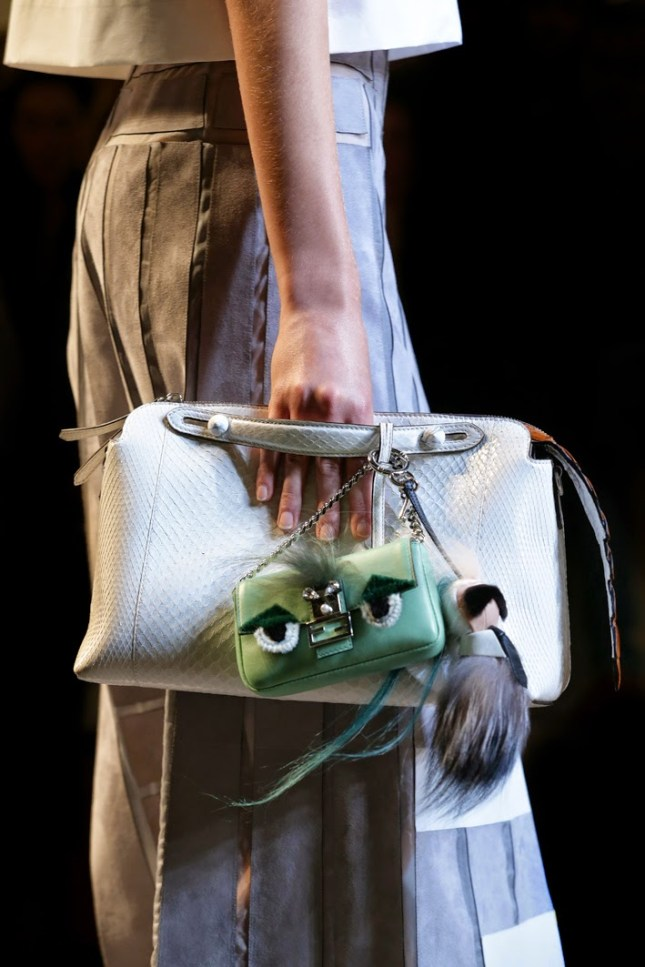 08_FENDI micro Bags_SS15 FashionShow_closeup images