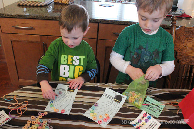 St Patrick's Day Rainbow Kids Crafts wtih Free Printable | spotofteadesigns.com