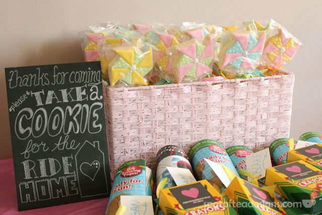 Pinwheel first birthday party: Favors #birthdayparty | spotofteadesigns.com