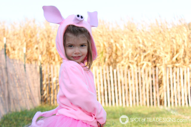 DIY Pig Halloween Costumes for toddlers | spotofteadesigns.com