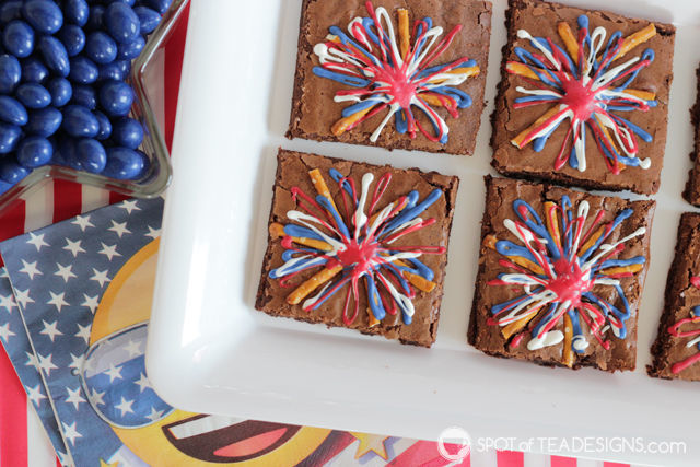 Patriotic Fireworks Brownies - sweet and salty dessert for Fourth of July!   spotofteadesigns.com