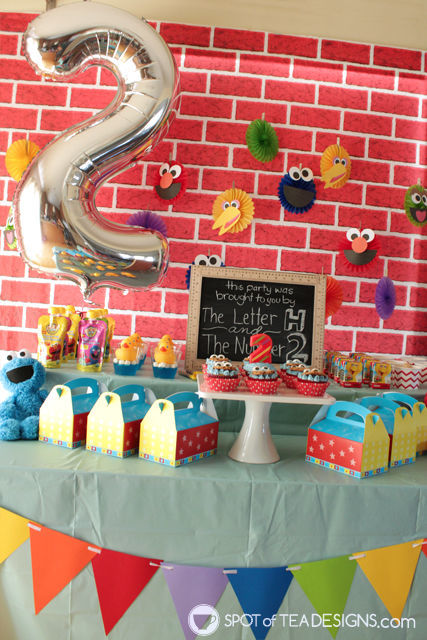 """Sesame Street Party printables - cut and add to 6"""" paper fans   spotofteadesigns.com"""