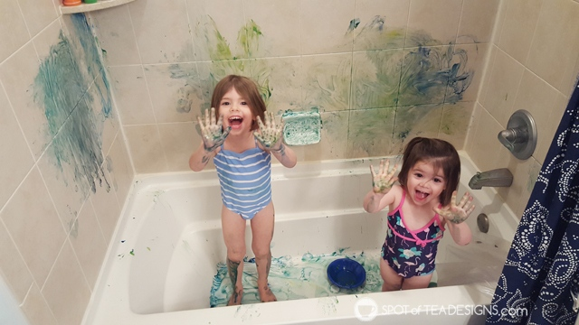 Entertain a toddler in winter - paint in the tub | spotofteadesigns.com