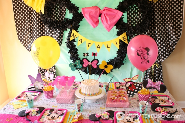Minnie Mouse Party Bow Cake Topper Tutorial   spotofteadesigns.com