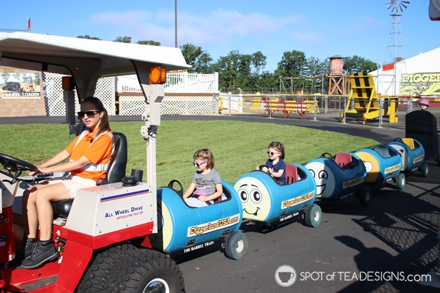 Girls like construction too! A review of Diggerland USA, a construction themed amusement park in NJ | spotofteadesigns.com