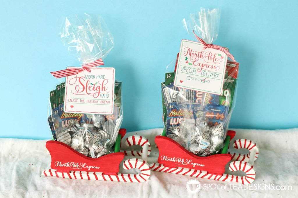 Teacher Appreciation Sleigh Gift Christmas Basket idea filled with New Jersey Lottery Tickets #ad #NewJerseyLottery | spotofteadesigns.com