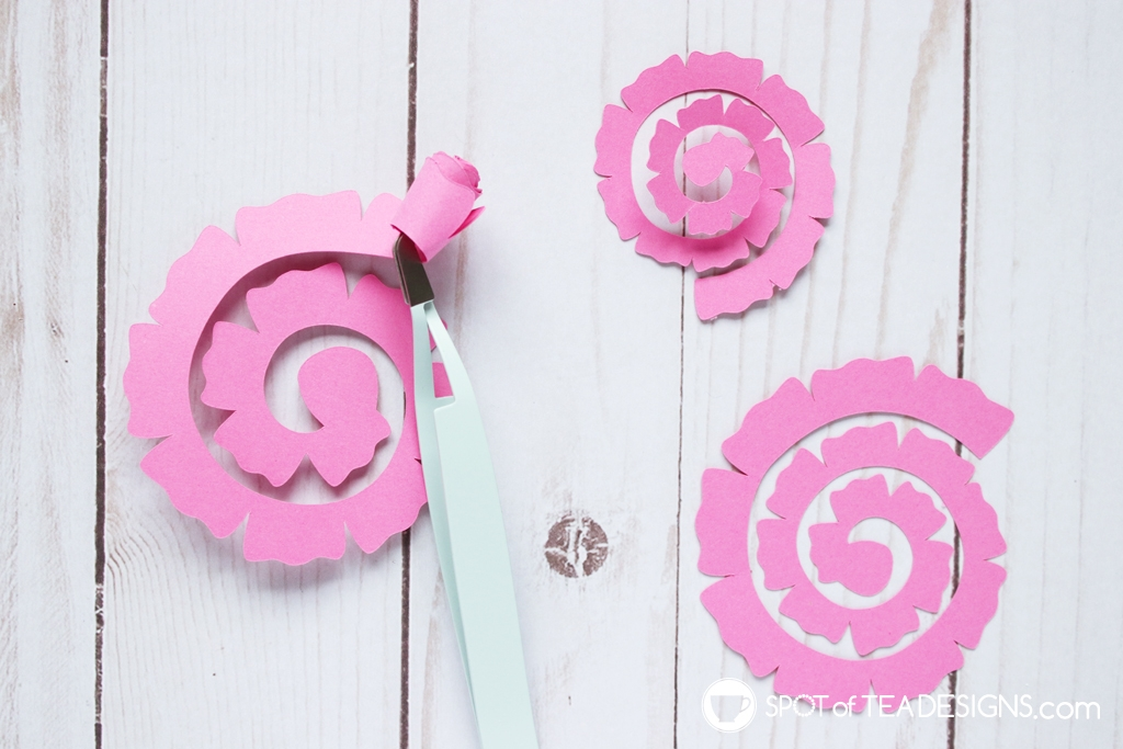 Floral baby shower - DIY cake topper with rolled paper flowers - rolling flowers | spotofteadesigns.com