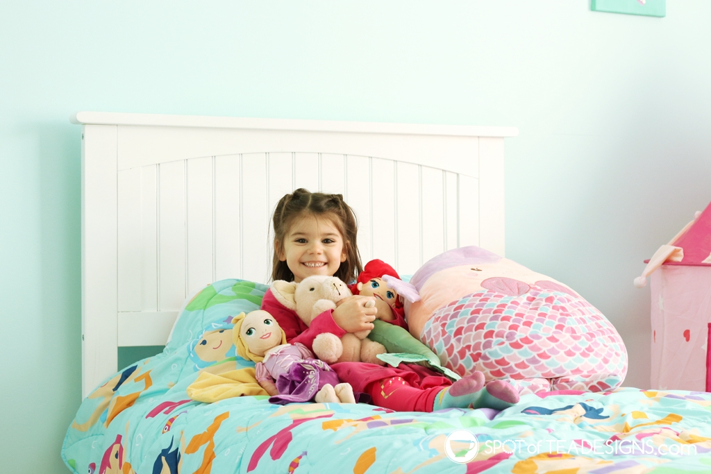 Home Tour - Preschooler's Mermaid Bedroom - stuffed animal friends | spotofteadesigns.com