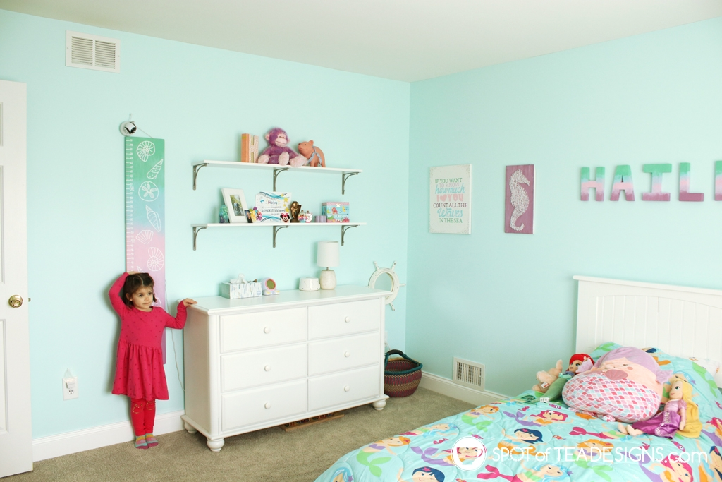 Home Tour - Preschooler's Mermaid Bedroom - ocean themed wall art | spotofteadesigns.com