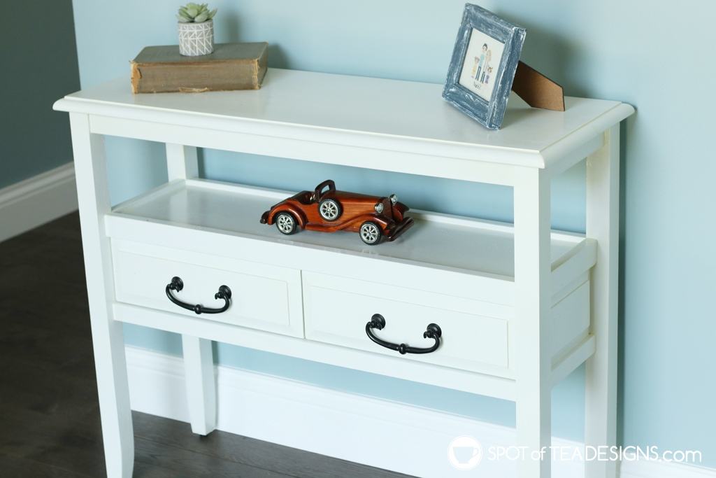 Entryway table makeover - from reddish wood to glossy white | spotofteadesigns.com