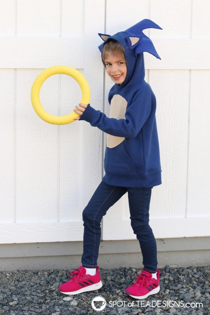 DIY Hoodie - Sonic the Hedgehog Hoodie | spotofteadesigns.com