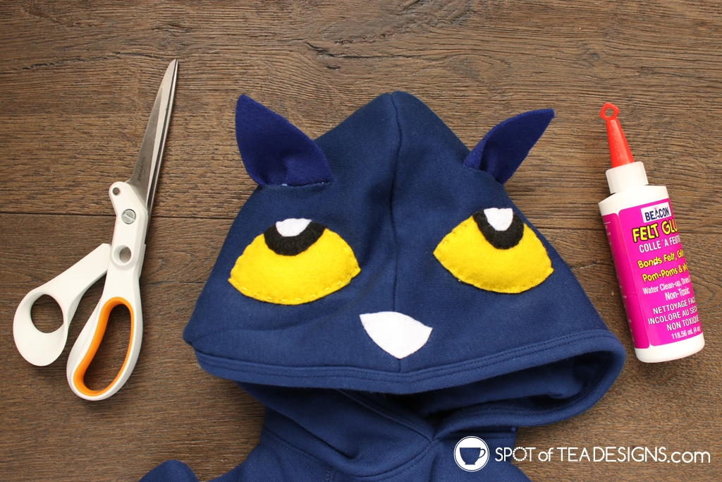 Pete the Cat Halloween Costume | spotofteadesigns.com