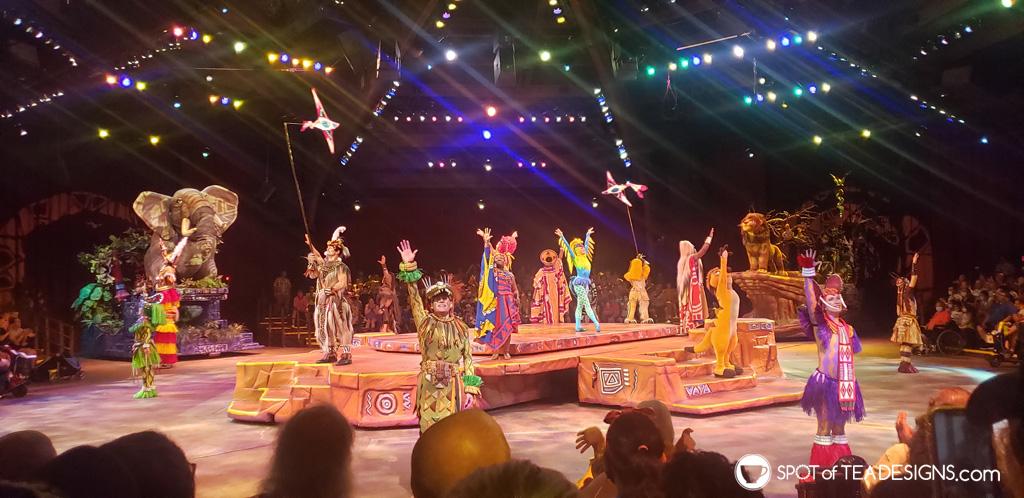Disney World Itinerary - Animal Kingdom Lion King Show | spotofteadesigns.com