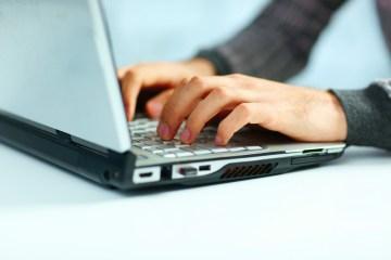 keyboard-man-hand-typing
