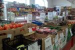 Normalerweise gingen wir in diesen kleinen Supermarkt, wenn wir etwas brauchen.