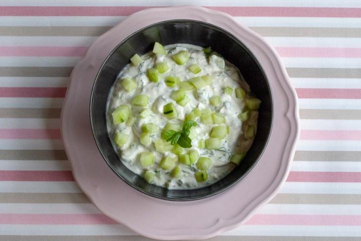 Dip jogurtowo - ogórkowy