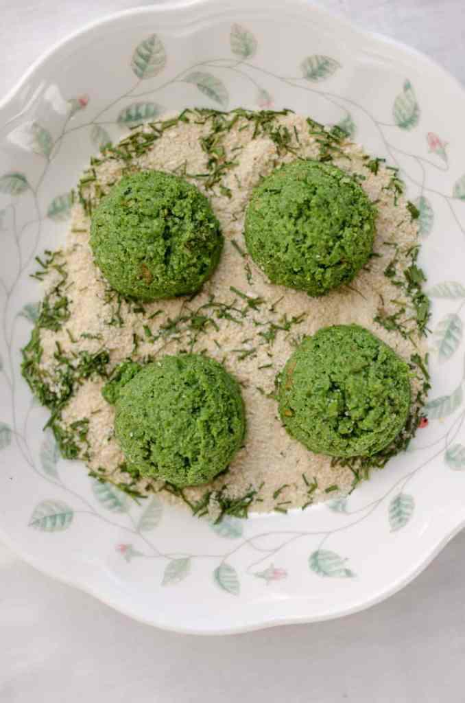 kotlety jaglane ze szpinakiem