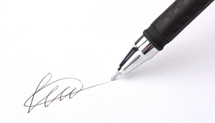 Sfałszowanie podrobienie podpisu – art. 270 kk