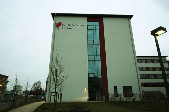 Fassadenbeschriftung Front