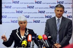 Kosor pokazuje kemijsku koju nije ukrala iz bivšeg ureda, čime je i službeno raskrstila s HDZ-om